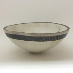 B&W wood bowl 500