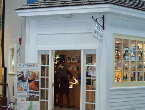 Hooksett Gallery Exterior 1