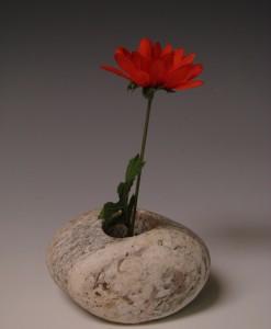 Spiller-LSIV-stone-vase
