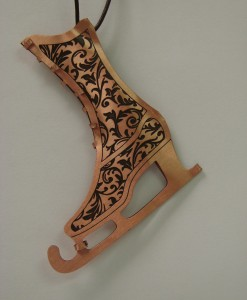 sussyrose-shields-skate-wood2