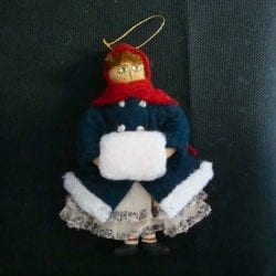 The League of NH Craftsmen's 2005 Annual Ornament.
